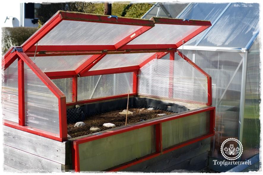 Gartenblog Topfgartenwelt DIY: klappbare Hochbeet Überdachung