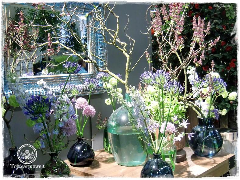 Gartenblog Topfgartenwelt Gartenmesse Blühendes Österreich 2017: Schaugarten mit bunten Vasen