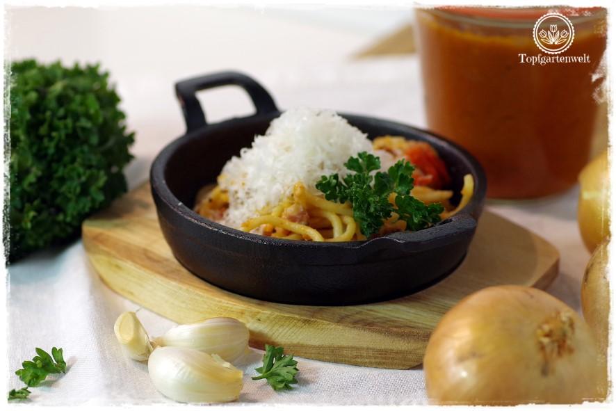 Gartenblog Topfgartenwelt Buchtipp Pasta e basta! Rezept: Spaghettoni all'amatriciana: pastateig selber machen mit hartweizengrieß