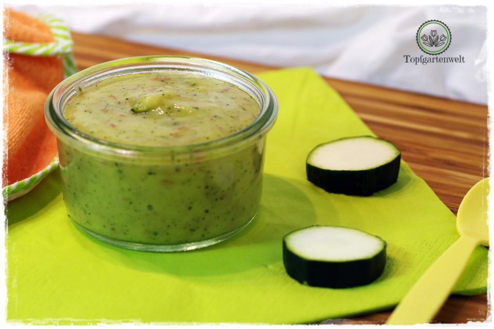 Zucchini-Kartoffel-Brei für Babys ab vier Monaten - Foodblog Topfgartenwelt