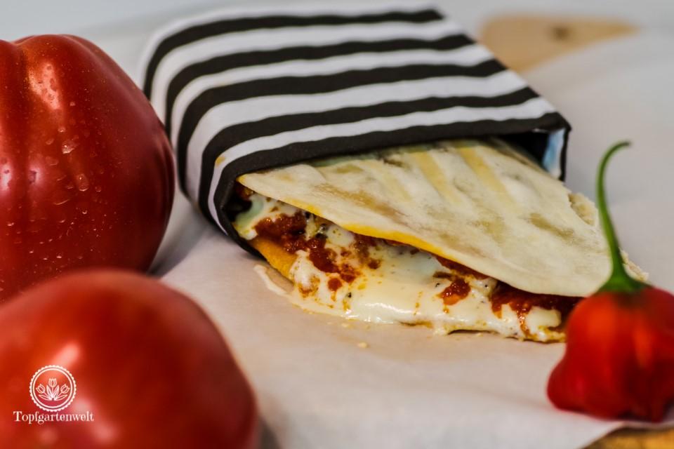 Piadina mit Pesto Rosso und Hähnchen aus Italian Streetfood!