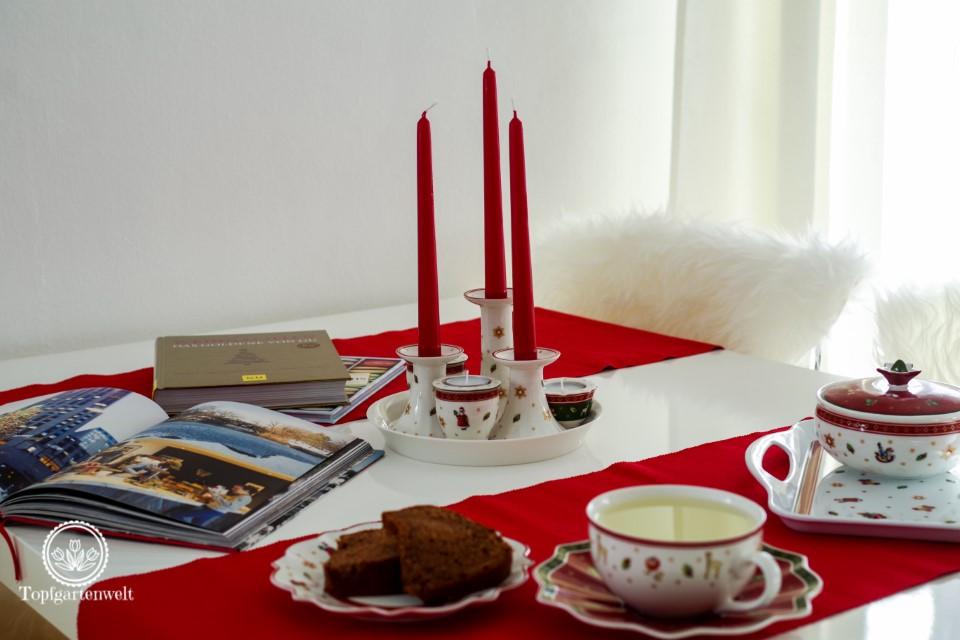 weihnachtlich gedeckter Tisch mit rot weissem Weihnachtsgeschirr - Blog Topfgartenwelt