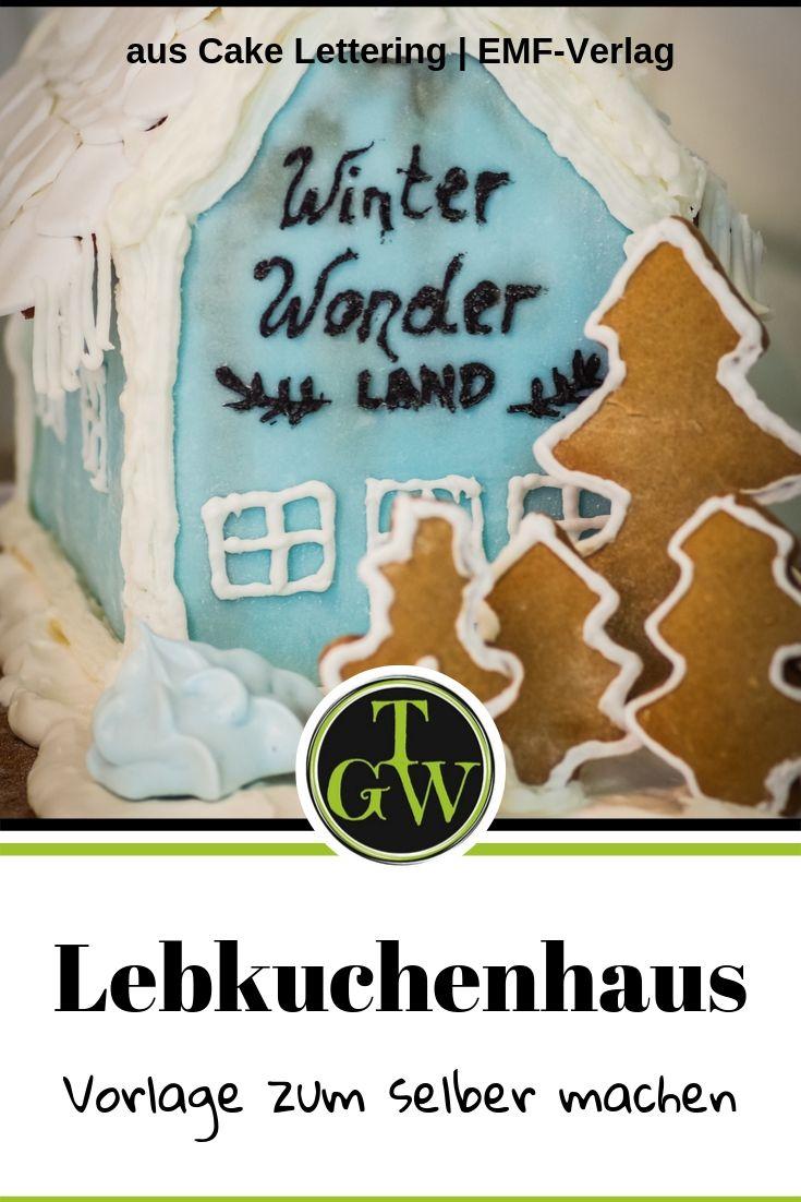 {Buchwerbung} Anleitung für ein klassisches Lebkuchenhaus zum Selbermachen, einfach und leicht, dekoriert und verziert mit Fondant und Zuckerguss #lebkuchenhaus #fondant #zuckerguss #royalicing #selbermachen #einfach #klassisch #weihnachten
