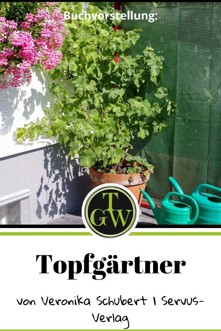 """Einen Topfgarten zu gestalten kann eine richtige Herausforderung sein. Ob auf Balkon oder Terrasse man braucht die richtigen Ideen. Im Buch """"Topfgärtner"""" wird man fündig und erhält zudem alle notwendigen Tipps zur Kultur der Pflanzen. Buchvorstellung. #topfgarten #gartenbuch #balkon #terrasse"""