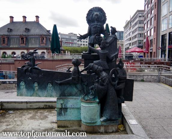 Struwwelpeterbrunnen in der Nähe der Hauptwache - Blog Topfgartenwelt