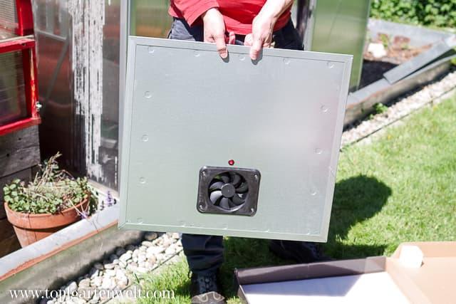 Ventilator mit Aus- und Einschalter für das Gewächshaus - Gartenblog Topfgartenwelt